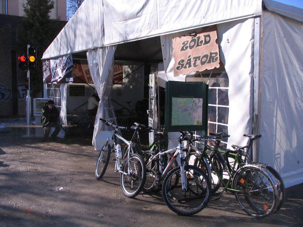 KME a Kocsonyafesztiválon - a bringatámasz is megtelt