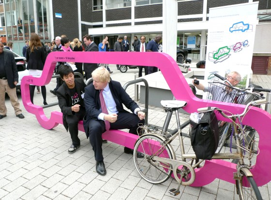 Boris Johnson londoni főpolgármester car bike porttal (fotó: Cyclehoop)